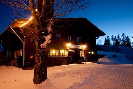 Krunkelbachhütte bei Nacht
