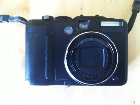 Eine Canon G 9 Kompaktkamera getarnt