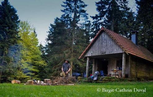 Der Mann und die Hütte - Naturpädagoge Frank Dufner