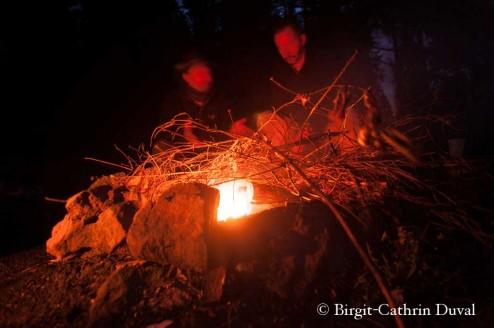 Ein Lagerfeuer wärmt Körper und Seele