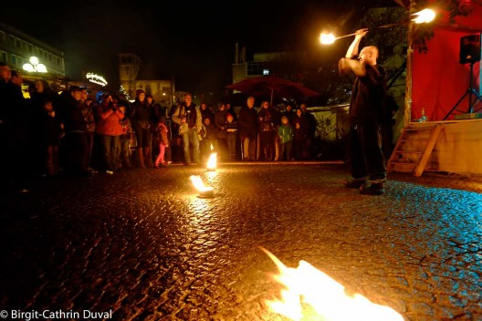 Feuerschlucker auf dem Mittelaltermarkt in Pforzheim