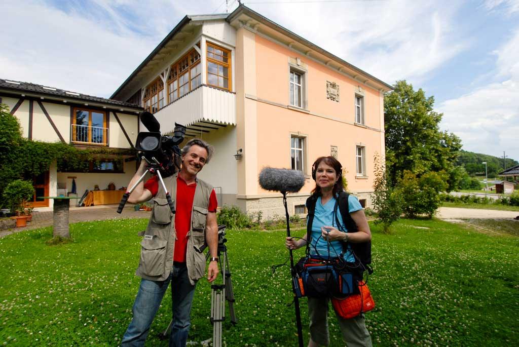 Dan Geller und Dayna Goldfine bei den Dreharbeiten 2009