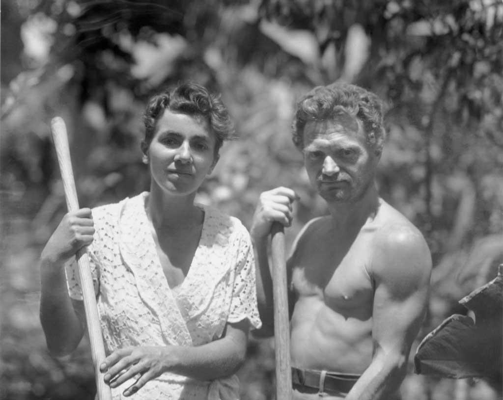 Dr. Ritter und Dore Strauch auf Galapagos
