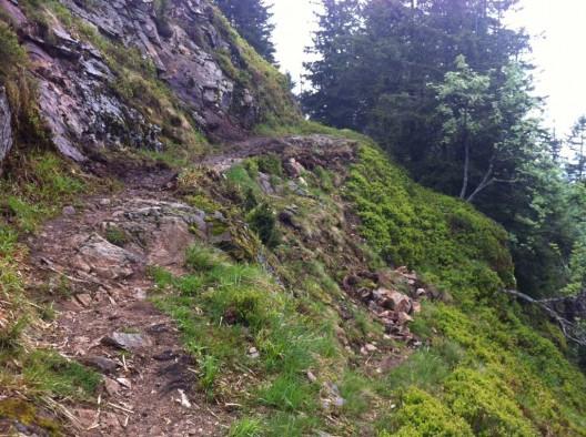 Eine ausgesetzte Stelle am Belchen Bergpfad