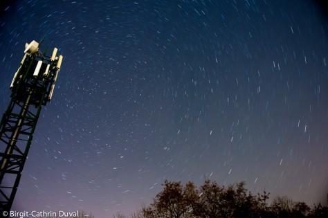 In einer klaren Nacht sind zwischen 6.000-7.000 Sterne mit bloßem Auge zu erkennen