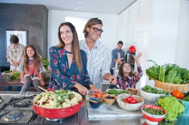 Schön, erfolgreich und gesund: Rich Roll und Julie Piatt mit ihren Kindern