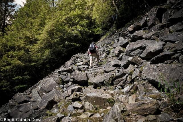 Klettern wie eine Gams - mit den Luna-Sandalen übers Geröllfeld