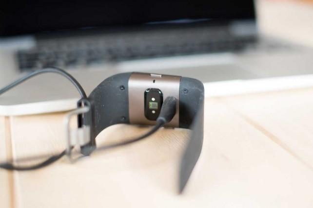 Schwachpunkt Ladekabel: Wer es vergisst, kann keine anderen USB Kabel zum Laden verwenden