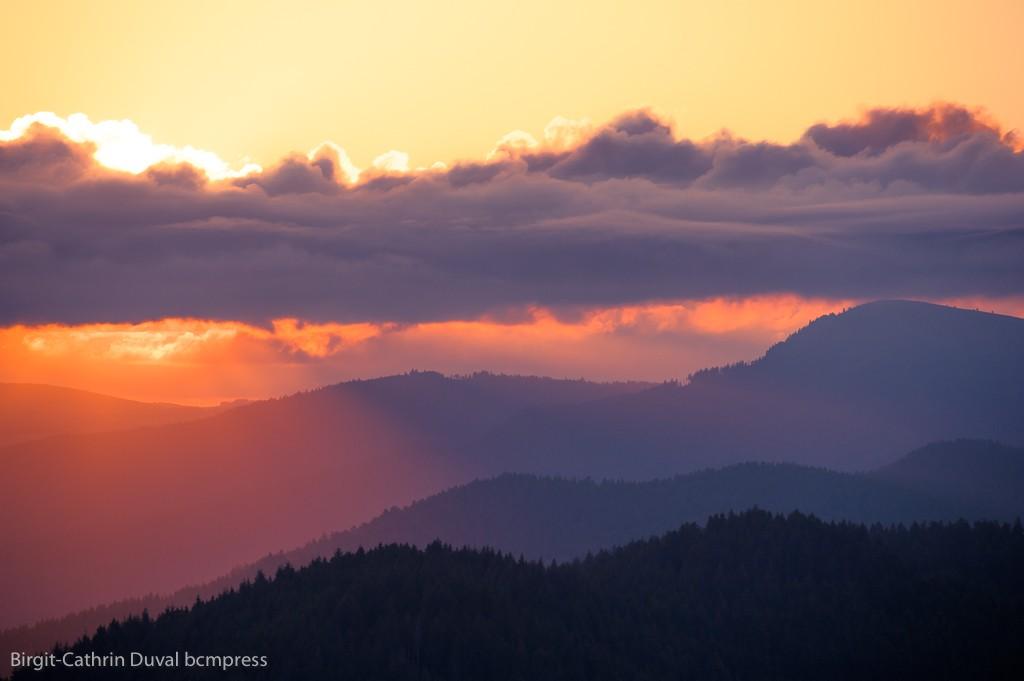 Sonnenaufgang mit Belchen - gesehen vom 1.165 Meter hohen Hochblauen