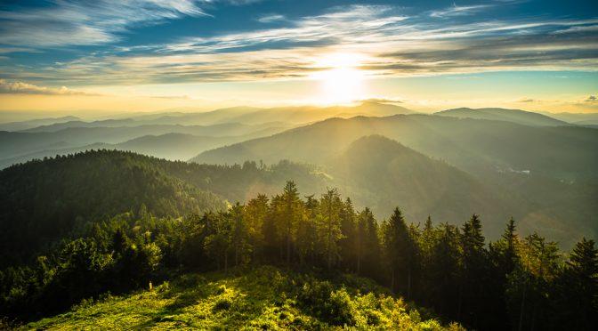 Darum lieben wir den Schwarzwald: Sonnenaufgang am Blauenturm
